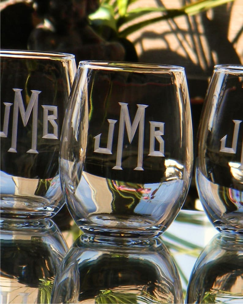 Personalized Stemless Wine Glass Tumblers Engraved with image 0