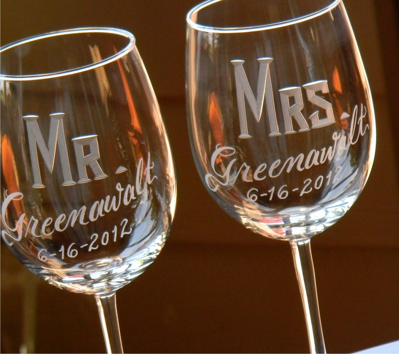 Engraved Personalized Mr & Mrs Wine Glasses Set of 2 image 0