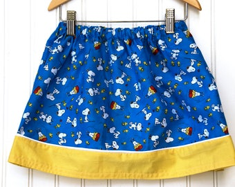 Snoopy  Banner Skirt (Size Small)