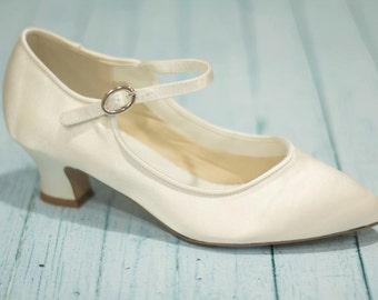 5838cd178f4 Vintage Wedding Shoe Style