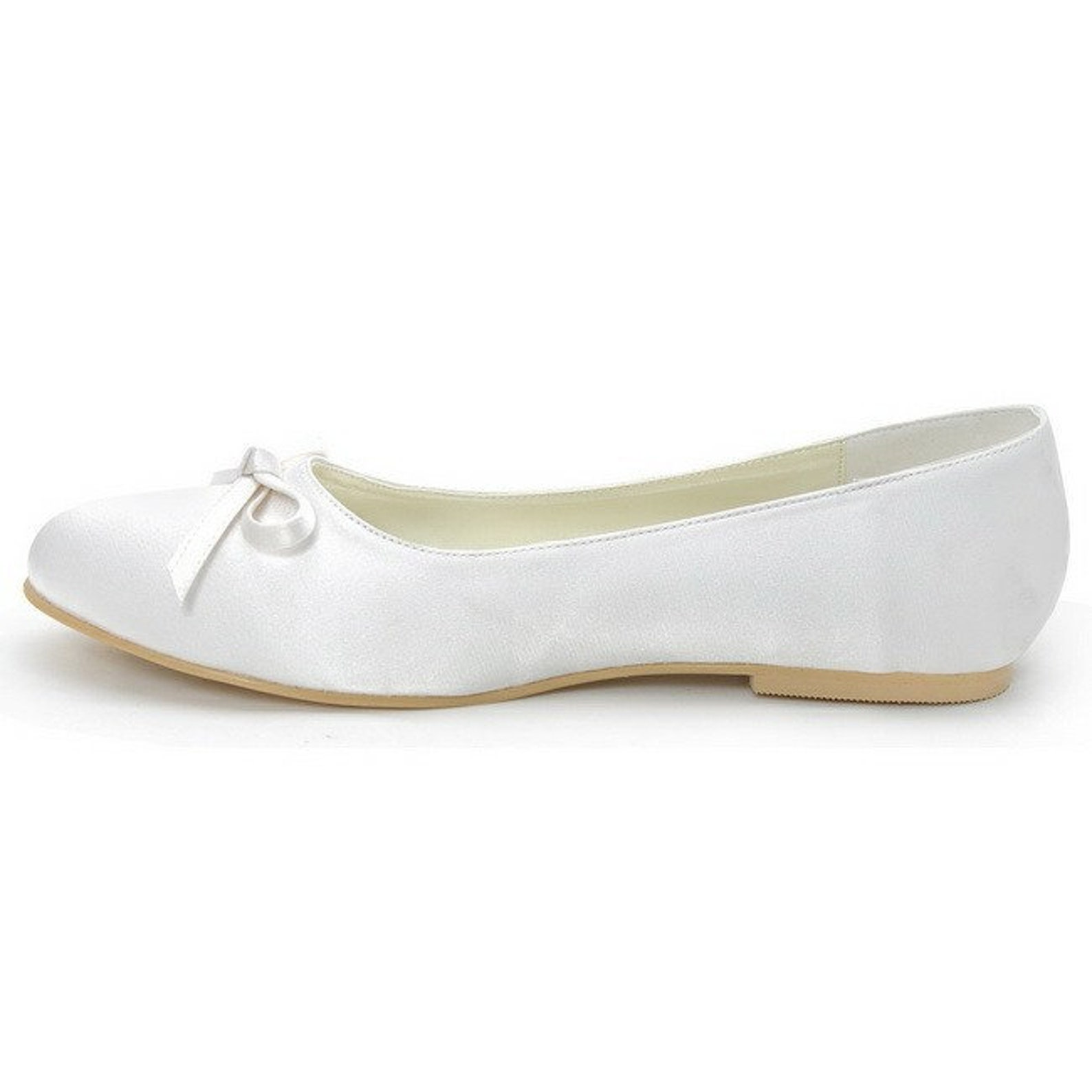 wedding flats, comfortable wedding shoes, ballet flats, small bow, flat heel, bridesmaid shoes, white wedding flats, enclosed to