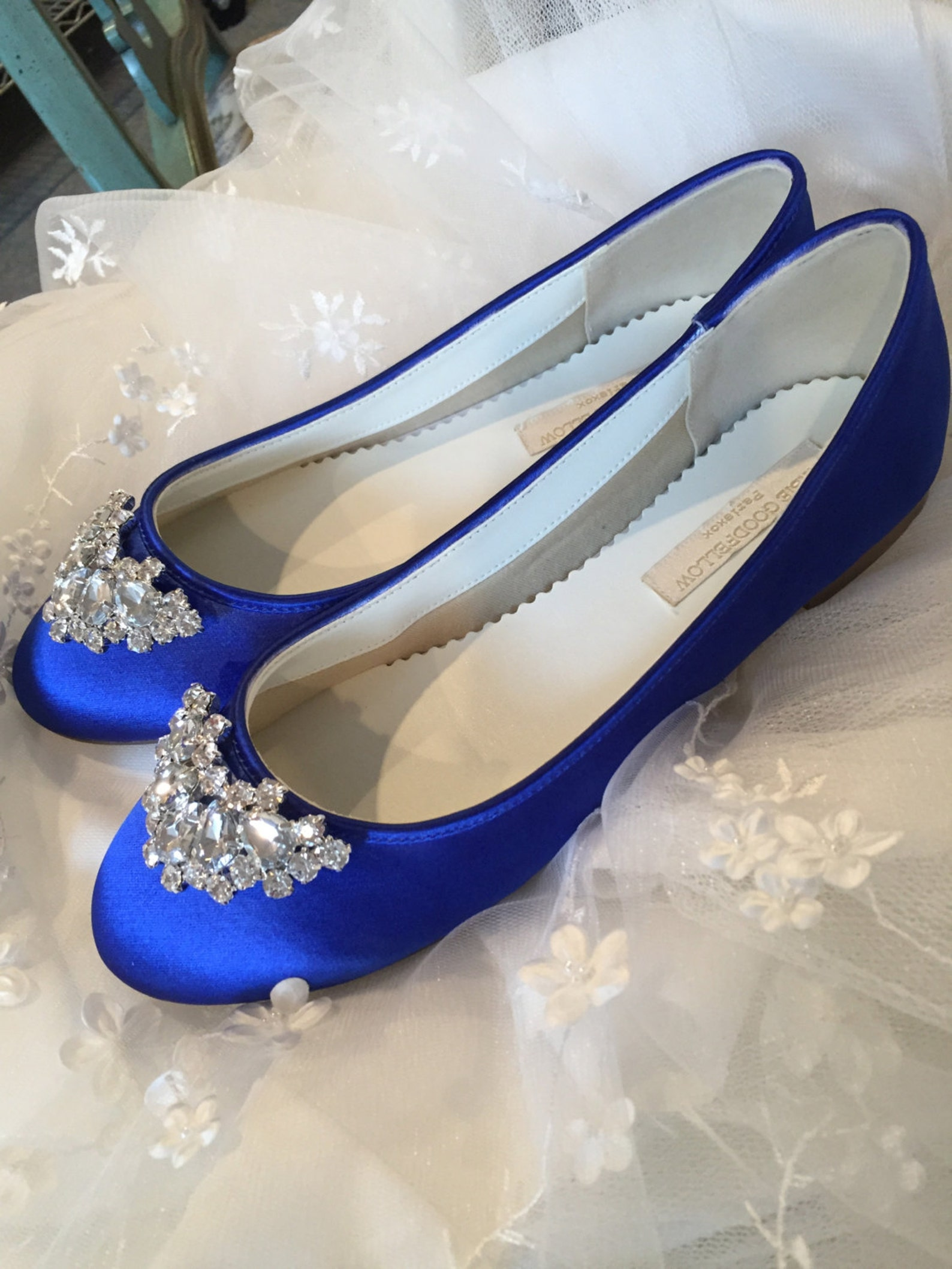 royal blue wedding shoes, ballet flats, closed toe flats, crystals, sapphire blue, blue ladies shoes, comfortable, outdoor weddi