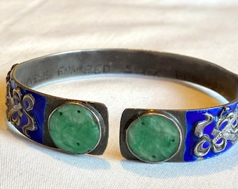 1920s Enameled Chinese Silver Bracelet set with Carved Green Apple Jade Stones