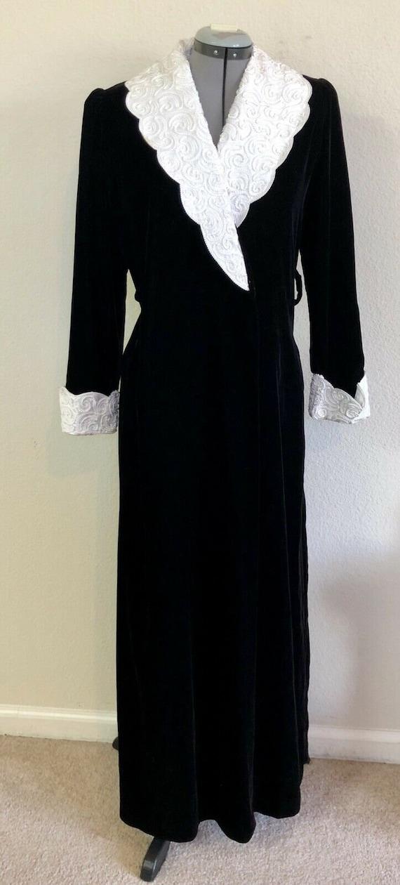 Vintage Georgette Trabolsi Black Velvet Old Hollyw