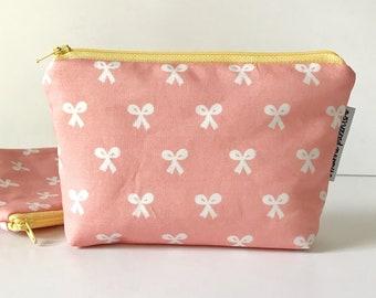 simple pouch -- beauty school bows