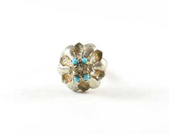 Large Vintage Statement Sterling Silver Turquoise Flower Ring / Size 7 /  Chic Vintage Jewelry