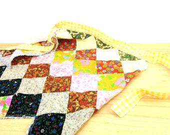 Vintage Patchwork Apron / Half Apron / Cotton Apron / Yellow Apron / Floral Apron / Ric Rac Trim Apron / Yellow Plaid Apron S M