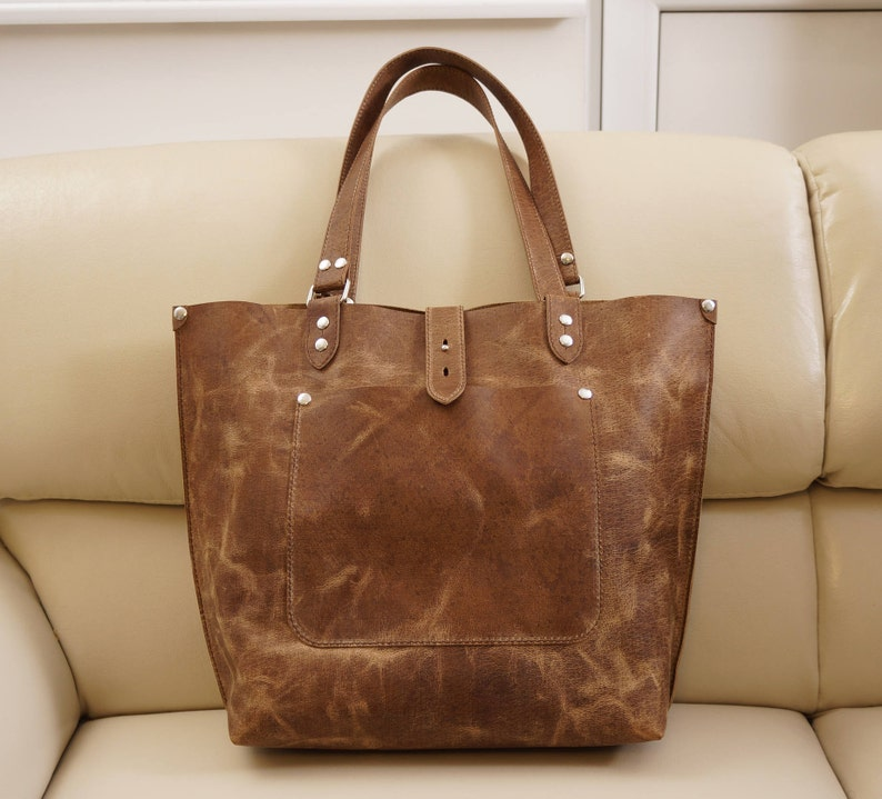 fa03eccd435 Leather tote, leather tote bag, big leather tote, leather tote woman,  leather tote women, Large Leather Tote, Leather bag Ria distressed tan