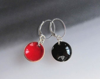 Reversible red and black enamel earrings Enameled copper disc dangles Lever-back drops Interchangeable jewelry Sterling silver