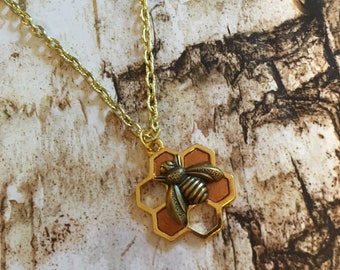 Honeycomb Necklace, Bee Necklace, Bee Jewelry, Honeycomb Jewelry, Honeycomb, Bee Charm, Honey Bee Necklace, Gold Honeycomb Necklace