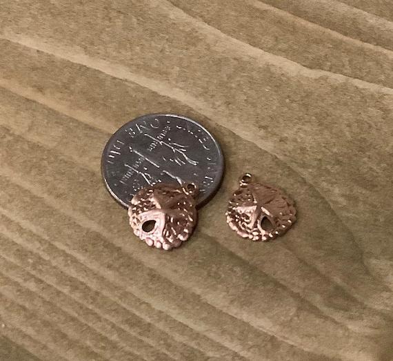 12 Sand dollar charms antique silver tone FF224