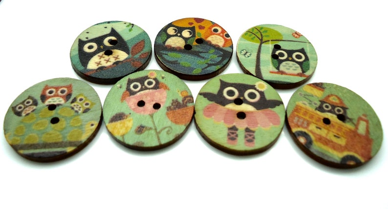 20mm Green Owl Wooden Buttons Round Sewing Buttons 2 Hole image 0