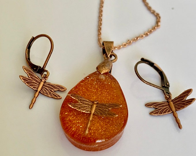 Outlander Jewelry~Dragonfly in Amber ~ Dragonfly Pendant - Resin Pendant - Outlander inspired - Copper Necklace~Tear Pendant