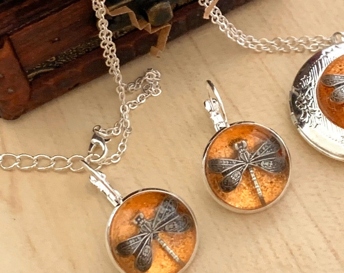 Dragonfly in Amber~Silver Dragonfly Earrings~Amber Earrings-Silver Earrings~Dragonfly Earrings~silver amber Earrings