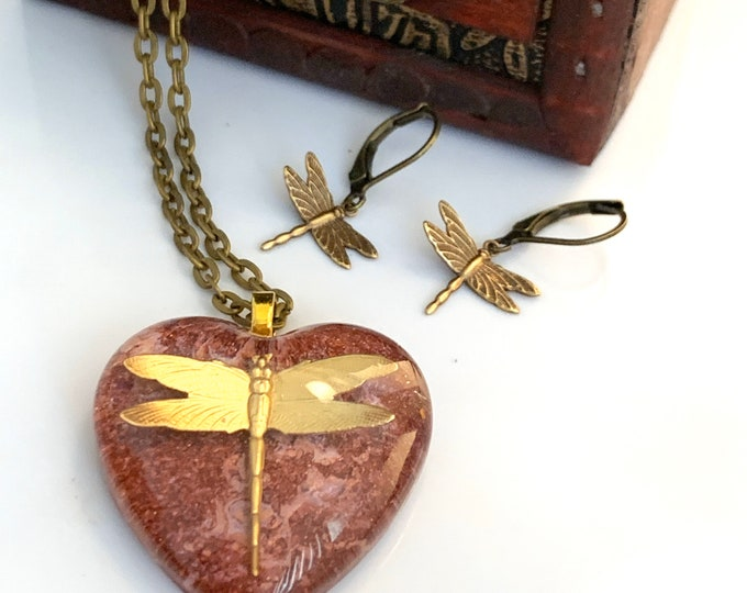 Burgundy Dragonfly Pendant~Dragonfly Necklace~Resin heart Pendant~Outlander Inspired~Celtic Dragonfly~Outlander Jewelry~Bronze~Heart jewelry