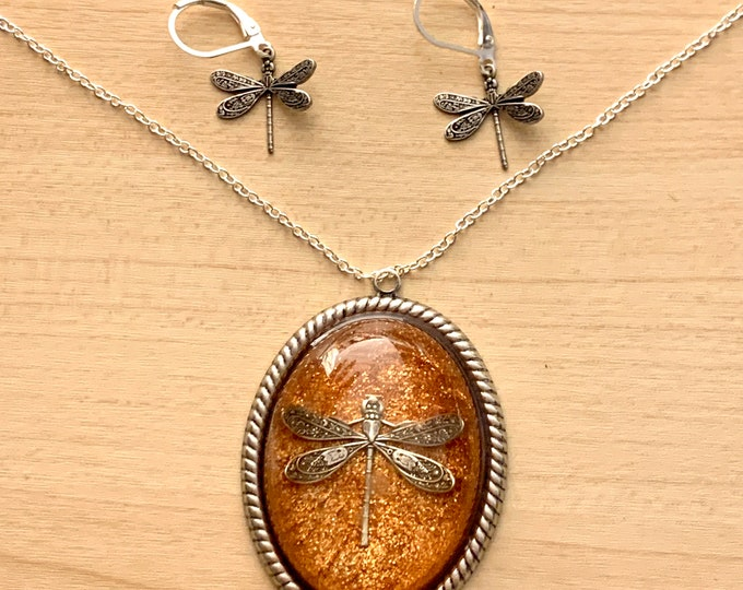 XL Dragonfly in Amber Necklace~Silver Cameo~Dragonfly Necklace-Outlander-Large Dragonfly Pendant-Dragonfly in Amber~Silver Necklace