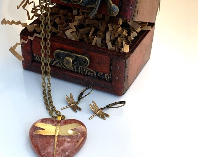 Burgundy Dragonfly Pendant~Dragonfly Necklace~Resin heart Pendant~Outlander Inspired~Celtic Dragonfly~Outlander Jewelry~Bronze~Heart jewelry