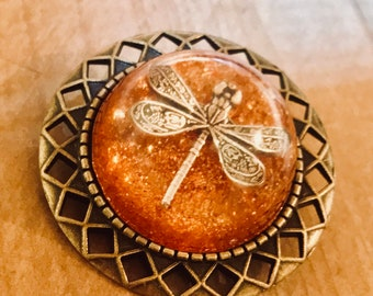 Dragonfly in Amber Brooch- Brass Brooch-Sweater Pin~Dragonfly Jewelry-Outlander Inspired