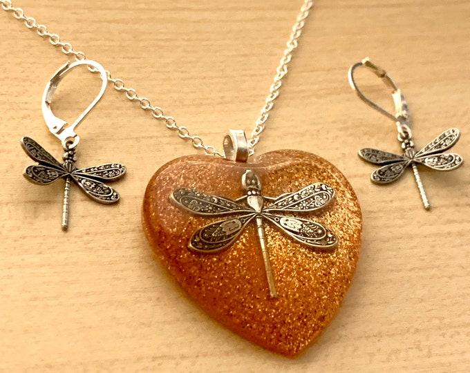 Heart Dragonfly Pendant~Dragonfly Necklace~Resin heart Pendant~Outlander Inspired~Celtic Dragonfly~Outlander Jewelry~Sikver~Heart jewelry