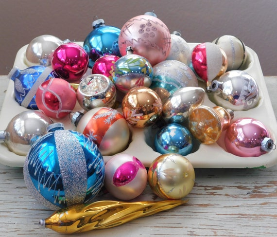 Pastel Christmas Ornaments.Vintage Christmas Mixed Lot Christmas Ornaments Free Shipping Indent Mercury Glass Stripes Shiny Brite Pastel Christmas Old Ornaments