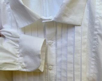 Handmade white cotton pleated man's shirt, size XLarge, mid 19th century