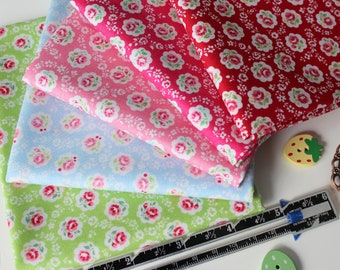 Fat quarter bundle of Roses in scallops from the 30's fabric collection Spring 2018 by Atsuko Matsuyama for Yuwa - 5 pieces
