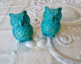 2 Owl Vintage Style Knobs in Your Choice Color Pictured in Turquoise Patina Distressed Owl Pulls for Drawers or Cabinets B-5
