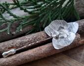 Orchid flower brooch: han...