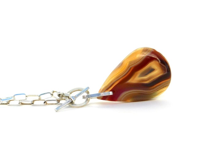 """Shula"" Agate Pendant Necklace"