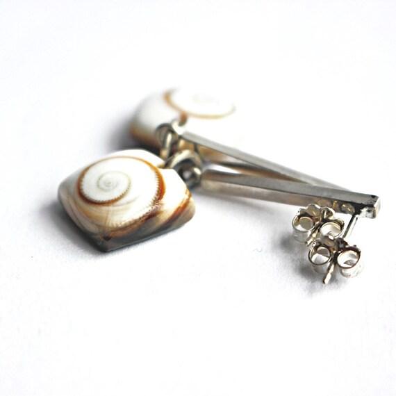 """""""Rilee"""" Shiva Shell Post Earrings"""