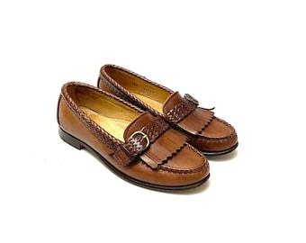 Vintage 1980s Womens Loafers // Brown Leather Kiltie Slip On Shoes by Allen Edmonds Size 5.5