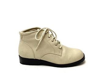 Vintage 1990s Ankle Boots // Beige Vegan Leather Lace Up Booties by Basic Editions Size 7.5