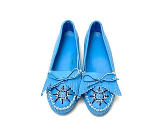 Vintage 1980s Beaded Moccasins // Powder Blue Vegan Leather Slip On Flats Size 8