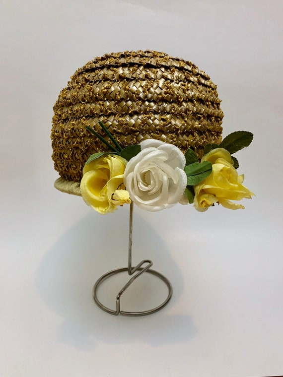 Vintage 1960s Floral Beehive Hat // Woven Rattan M