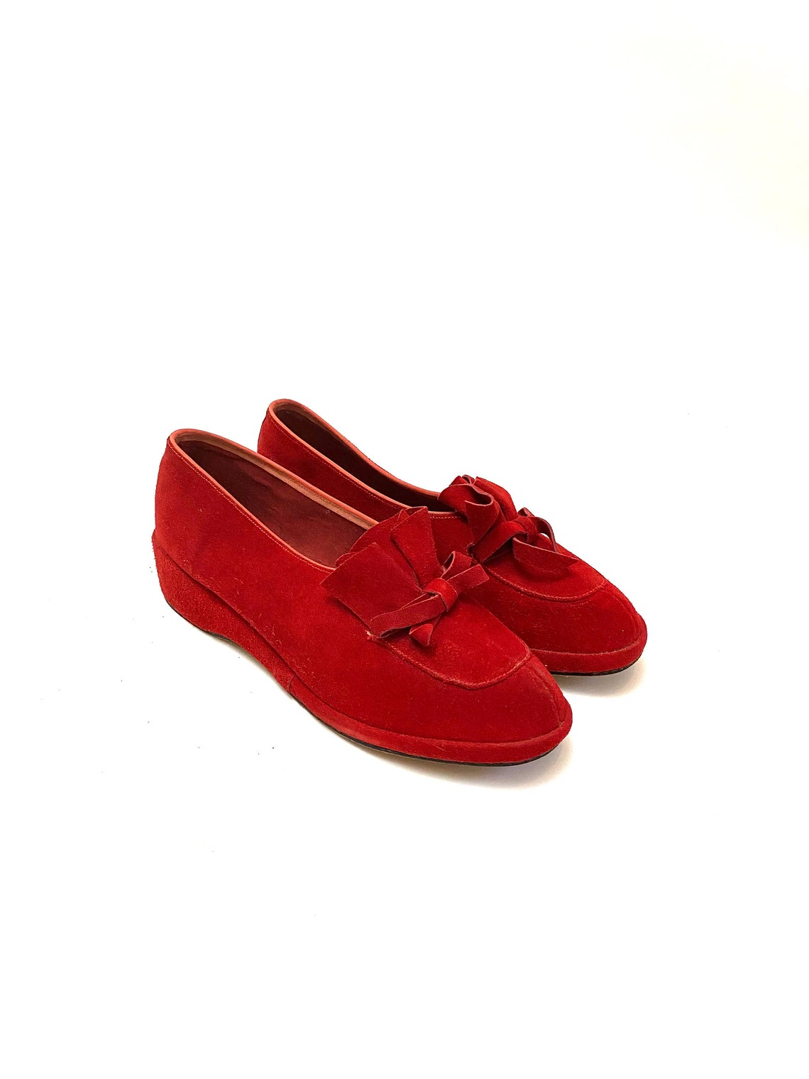 Vintage 1940 Red Suede Loafers // Slip On Rounded Toe Bow Shoes // Scarpa Originale di Daytimers Taglia 9 - Scarpe alla moda bTS3ehem t4WumF vytv53