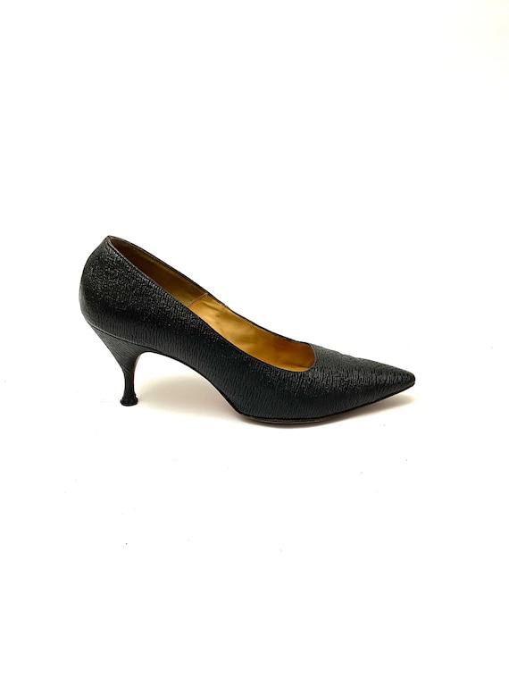 1950s 1960s Vintage Brown LEATHER Heels.size 6 7 womens..leather wedding stiletto shoes mod mid century designer urban retro hippie