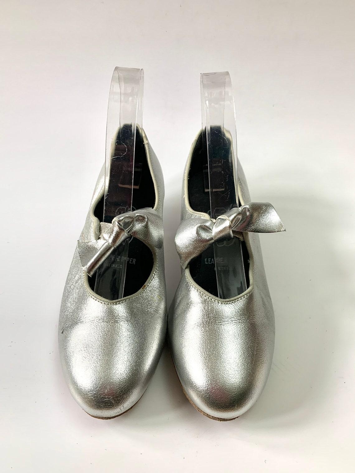 Vintage anni '60 Mary Janes // Scarpe da ballo in pelle Silver Lamé di Barbettes Dancewear Size 7 - Scarpe alla moda e3qTYSXn wevLgz yZILzo