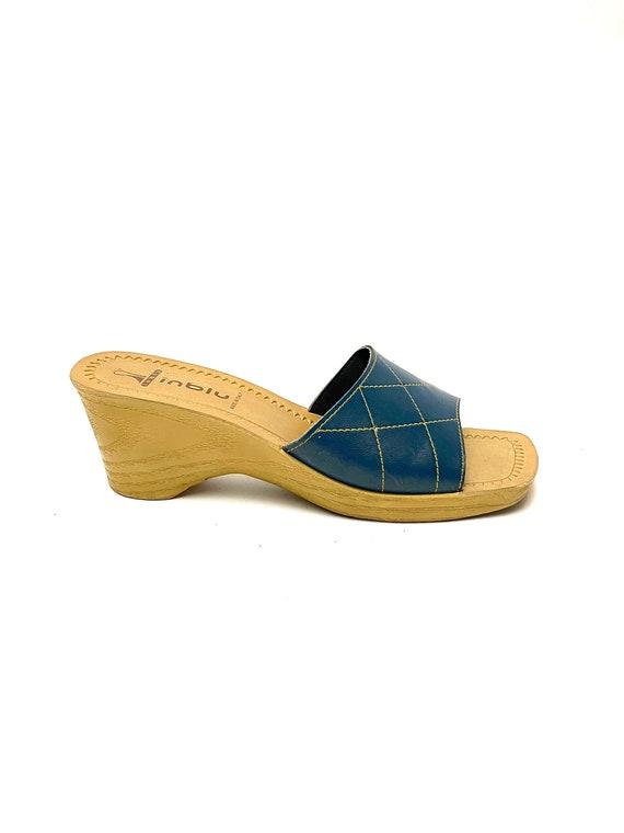 Vintage 1970s Italian Leather Wedge Sandals // Blu