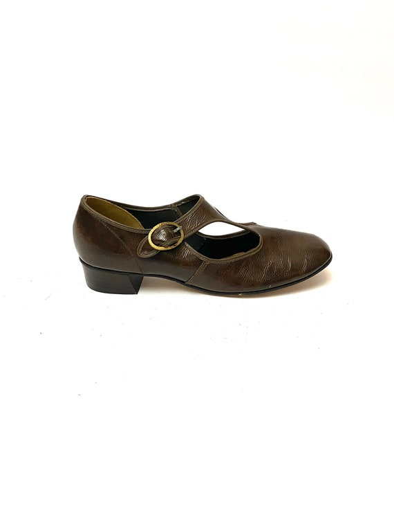 Vintage 1960s Vegan Mary Janes // Brown Faux Leath