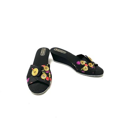 Vintage 1970s Novelty Print Sandals // Tulip Fabr… - image 4