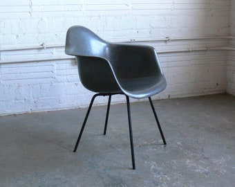 Eames for Herman Miller 2nd Generation Zenith Arm Chair-DAX