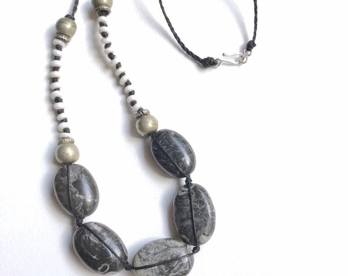Shell Jasper Beaded Linen Necklace