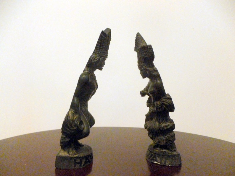 Vintage-A HIP ORIGINAL-Set of 2 Figurines-Male and Female Dancer-Made in Hawaii-Lava-1976