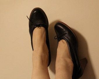 Simple VIntage Black Heels 8.5