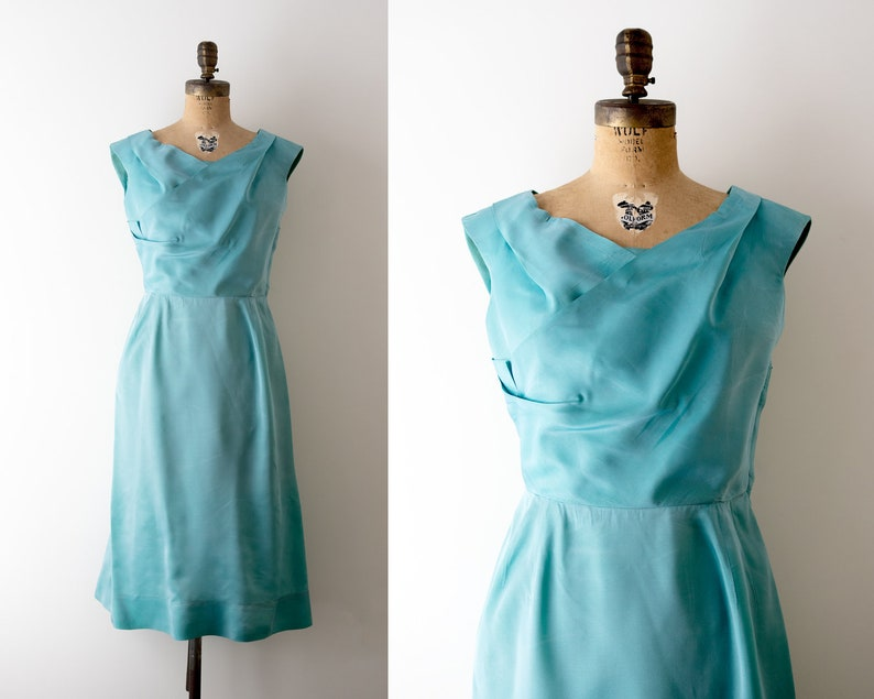 1950 taffeta wiggle dress. M. 50's blue sheath dress. Ceil image 0