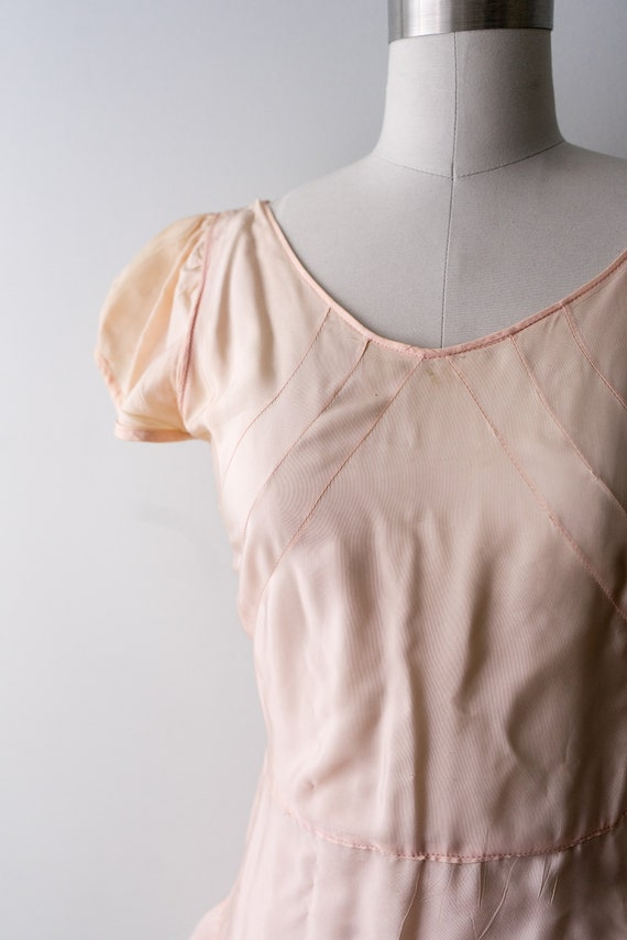 1930 light pink dress. small. 30's bias cut gown.… - image 5