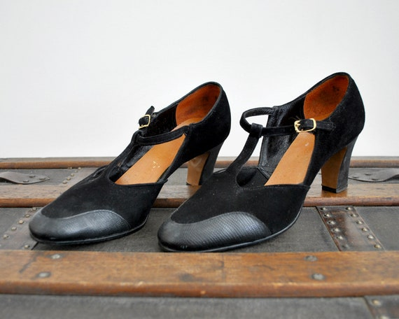 1960 black Mary Janes. Vintage 60's suede shoes. B