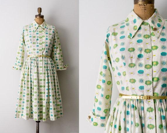 1960's flower print shirt dress. 60 vintage full d