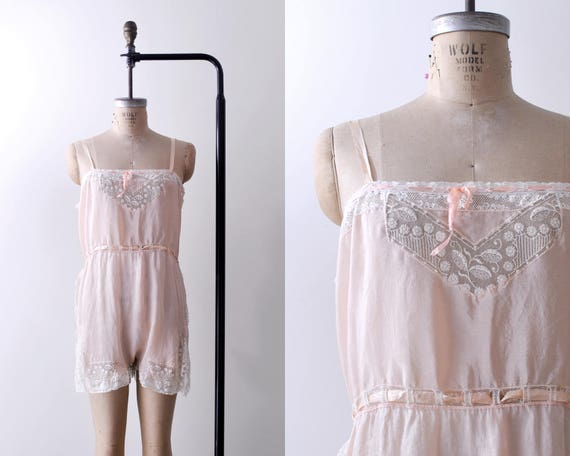 1920's pink step-in chemise. silk. 20's lace negli