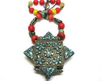 Antique Tibetan Gau, Tibetan Ghau Box, Himalayan Necklace, Heirloom Tibetan Beads, Antique Glass dZi Beads, Egg Yoke Amber, Sherpa Coral